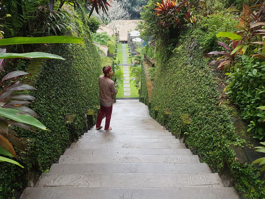 Sukhavati Ayurvedic Retreat Bali - stairs