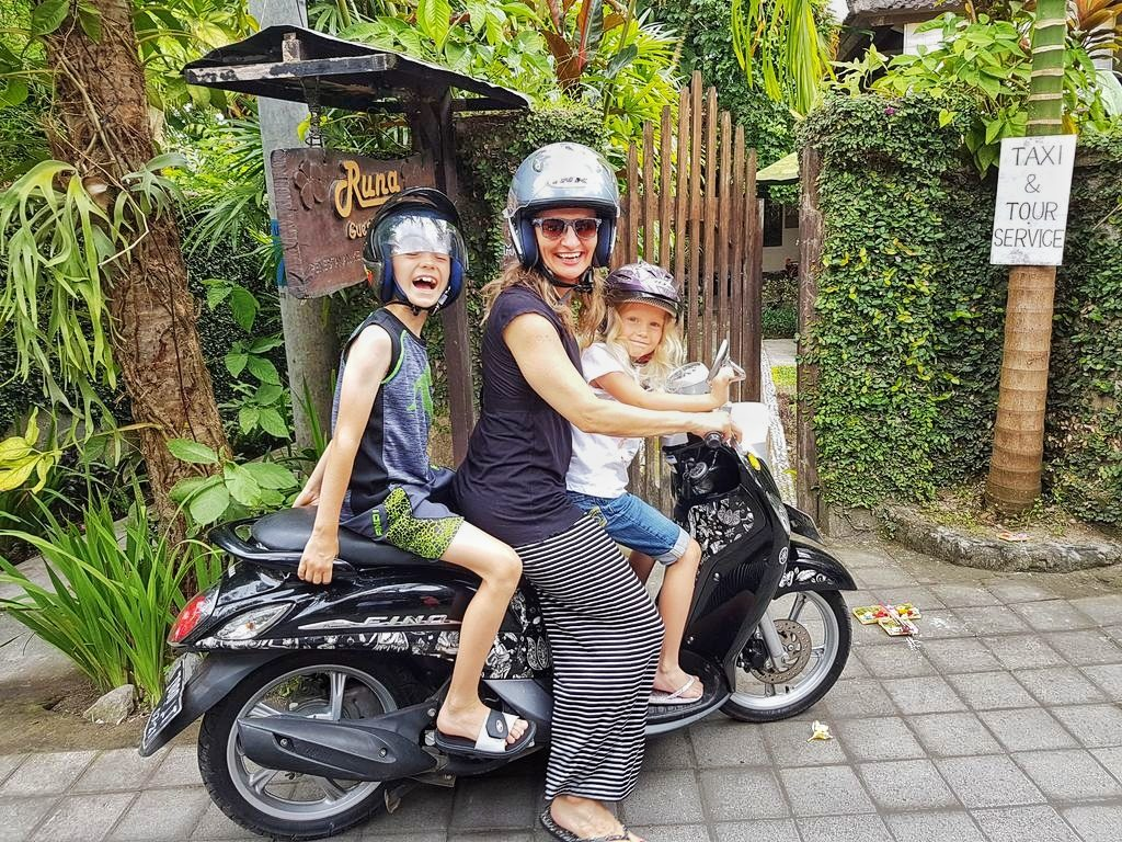 Things To Do In Ubud - Everyone scoots