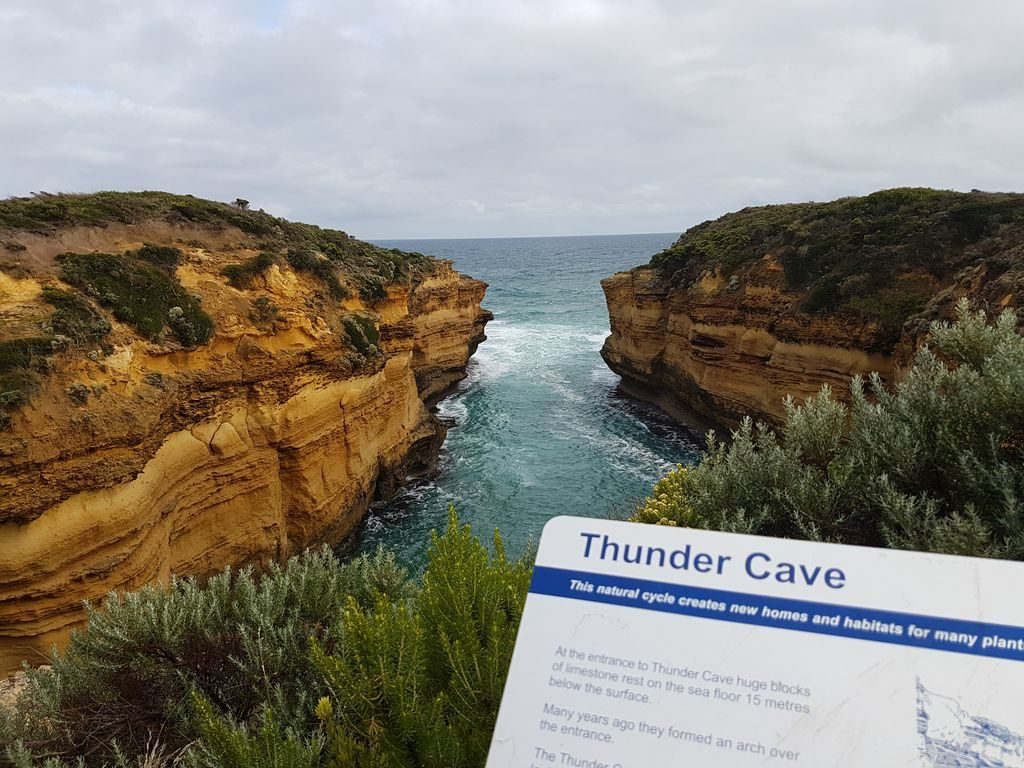 Top 15 Places On The Great Ocean Road - Thunder Cave