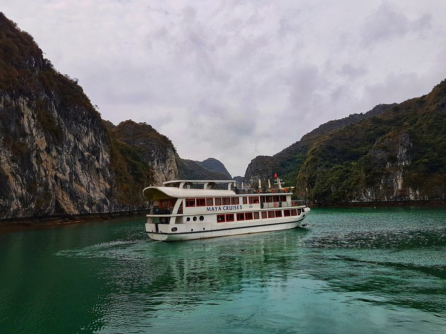 Halong Bay cruise - Maya cruises