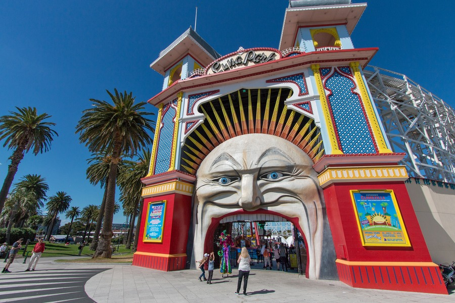 Things To Do With Kids In Melbourne - Luna Park