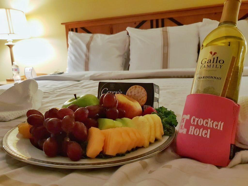 24 Hours In San Antonio: Crockett Fruit