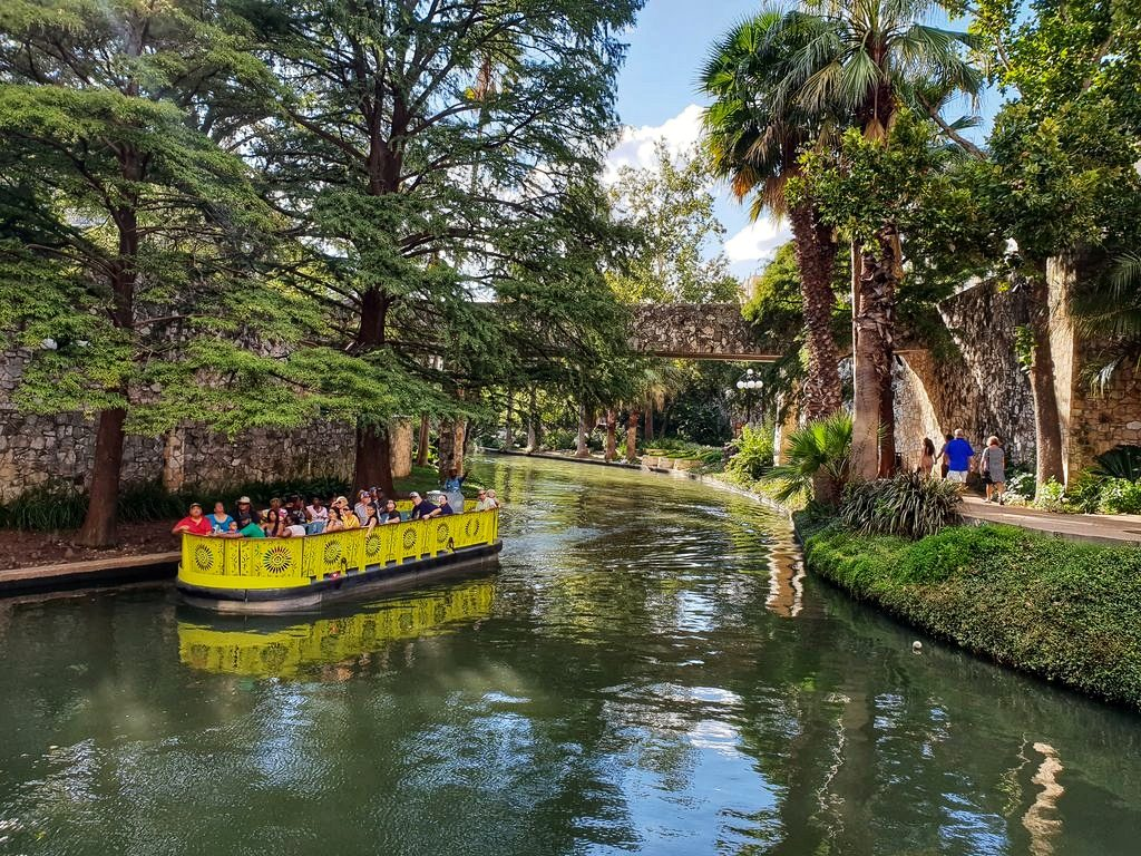 24 Hours In San Antonio: River Walk Cruise