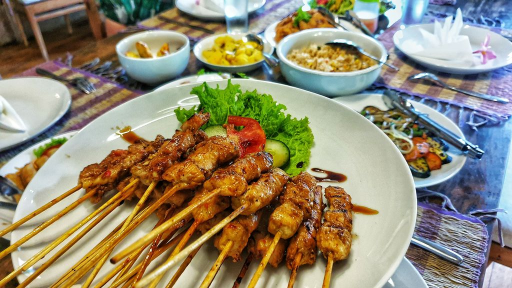 Kids Fit On Vacation - sate