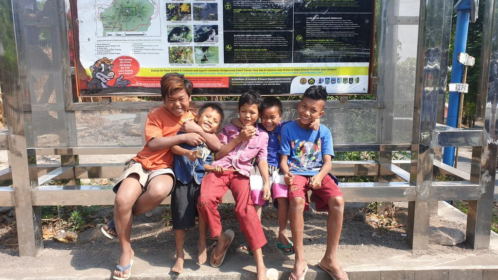 Guide To Lombok (From Bali) kids