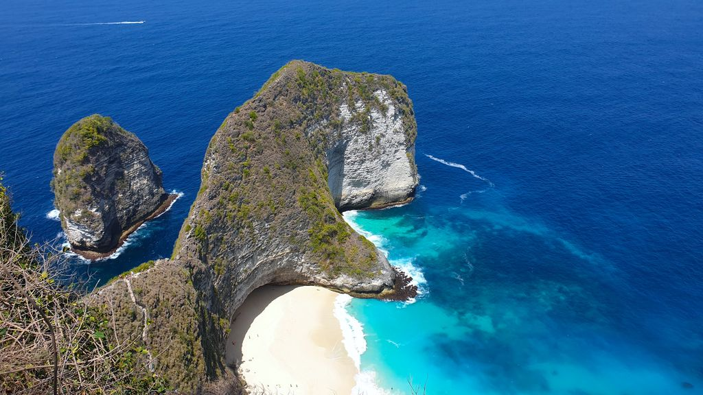 Nusa Penida With a Local - Kelingking Beach