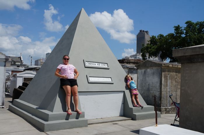 New Orleans with kids - cemetery