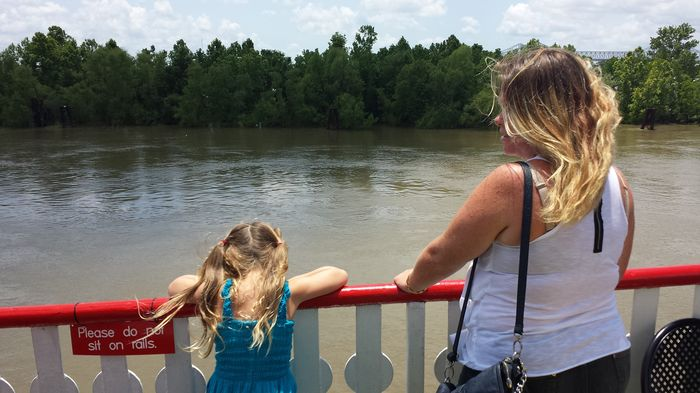 New Orleans with kids - steamboat