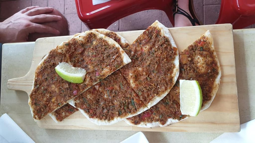 Turkish food - lahmacun