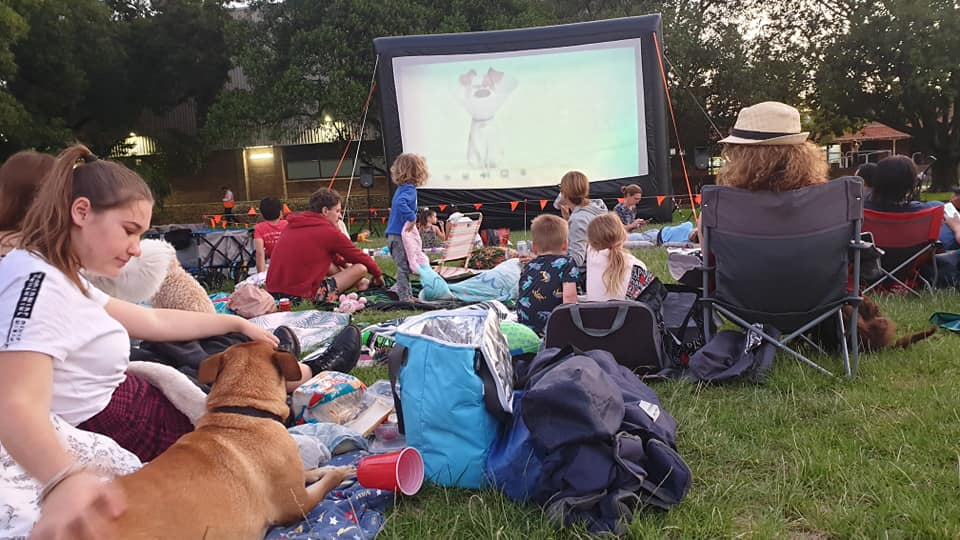 Free things to do in Perth with kids - outdoor cinema
