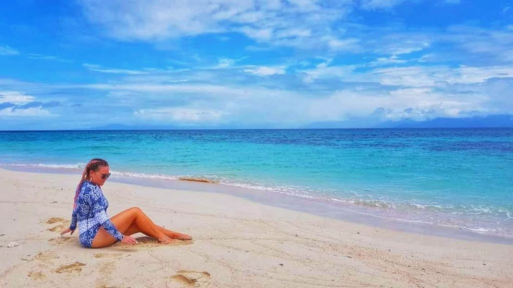 best things to do in cairns - beach